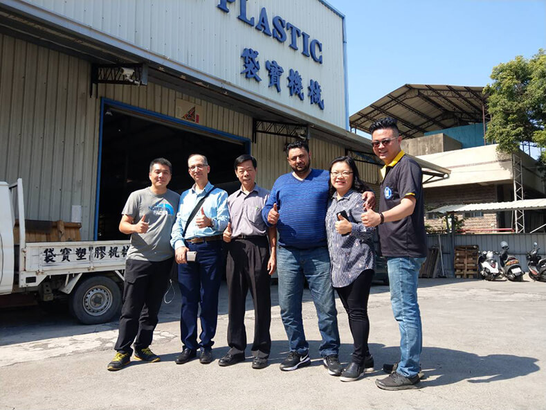 From the Middle East professional plastic bag production plant